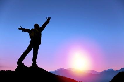 登山の成功と日の出